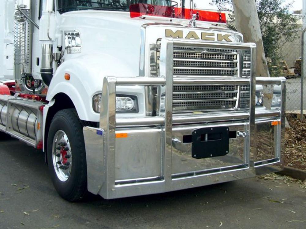 Mack Superliner Custom Built alloy FUPS bull bar   #6