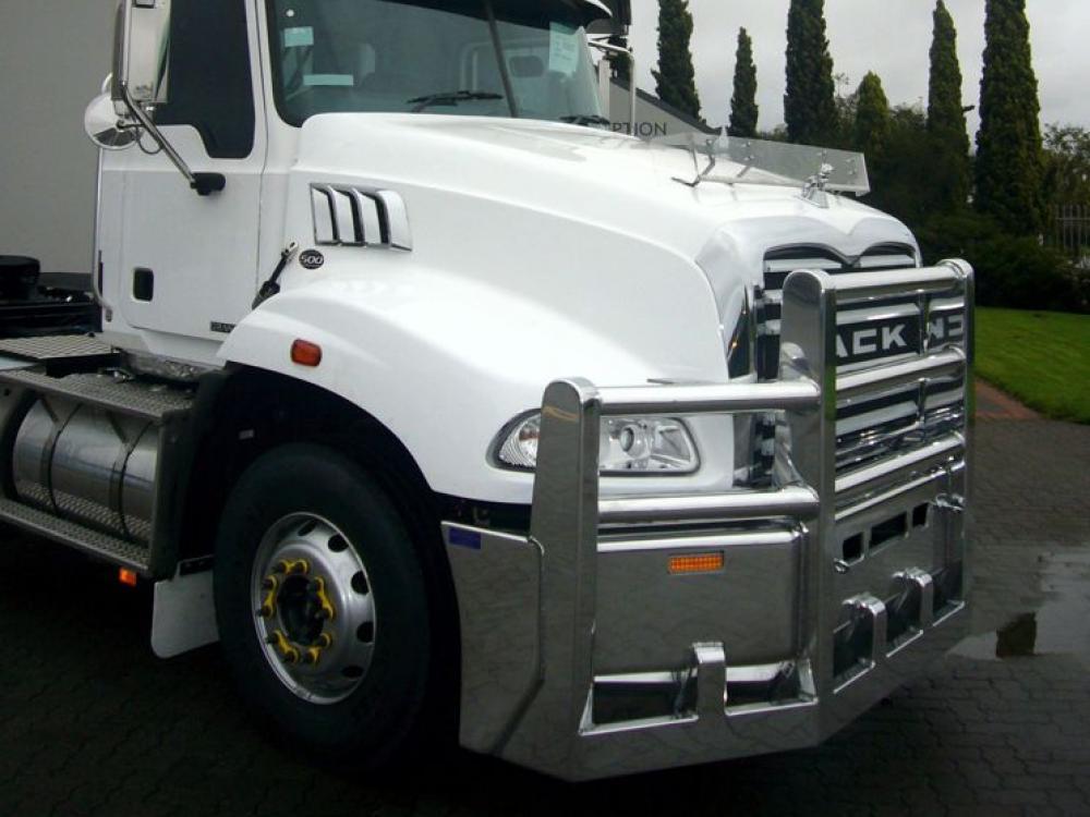 Mack Granite FUPS hi-tensile aluminium bull  #5