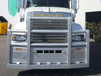 Mack-Superliner Powdercoated FUPS bullbar    #18