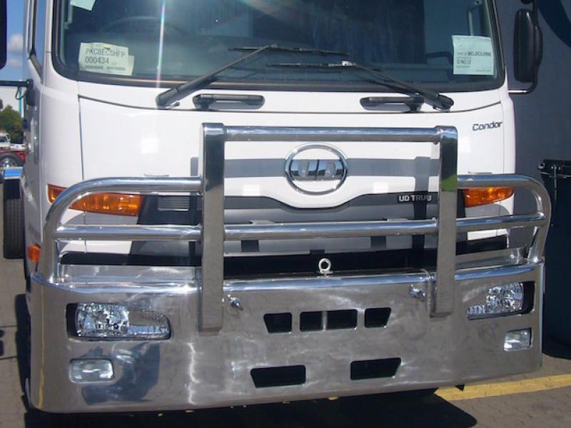 Nissan UD PK17 FUPS compliant hi-tensile polished aluminium bull bar      #3