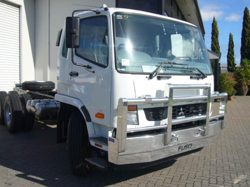 Fuso Fighter Hi-tensile aluminium bull bar          #13