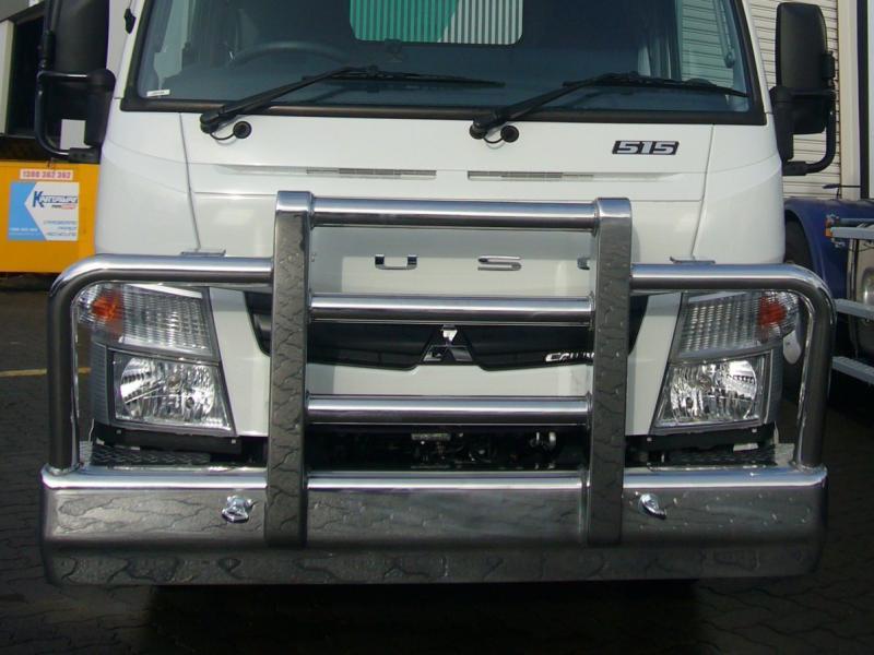 Fuso Canter 515 Aluminium Bull Bar      #10