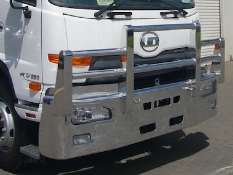 Nissan UD PK 17.280 Condor FUPS bull bar      #4