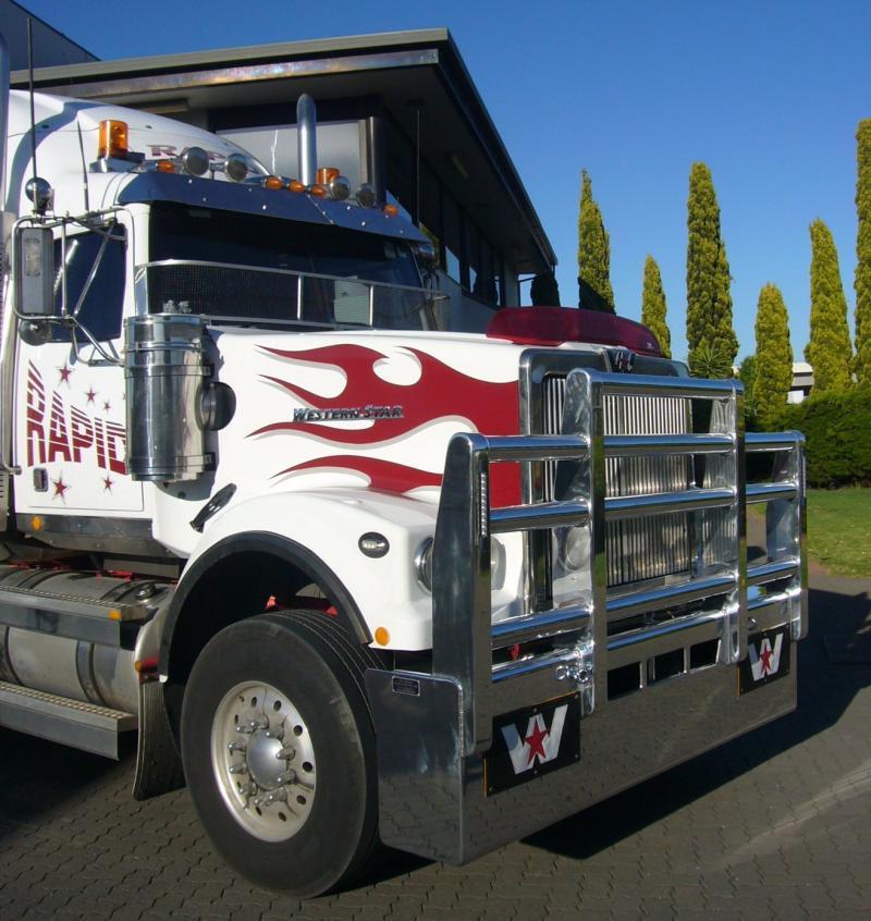 Western Star 4900 hi-tensile aluminium FUPS Bull Bar      #8